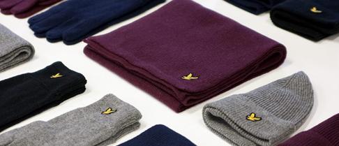Czapki zimowe, szaliki, skórzane rękawiczki oraz inne zimowe akcesoria