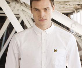 Białe koszule z krótkim i długim rękawem